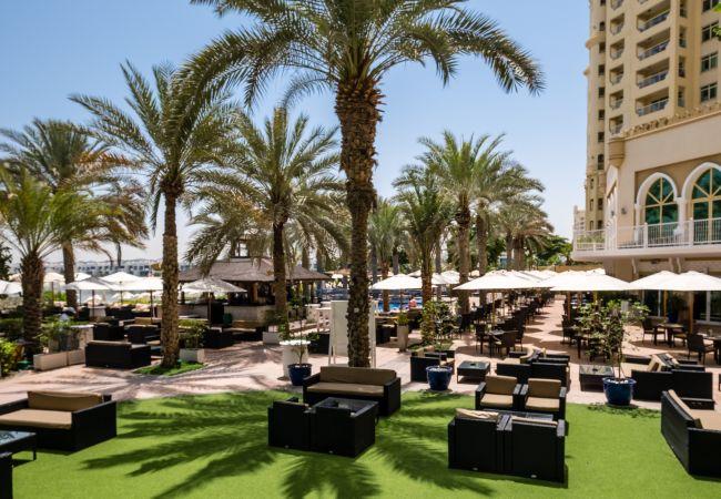 Apartment in Dubai - Spacious Apt w/ Sea View on The Palm