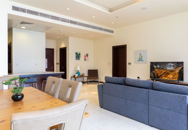 Apartment in Dubai - Spacious Apt w/ Sea View on Palm Jumeirah