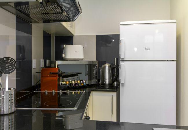 Apartment in Dubai - Bright Apt in Award Winning Building Opposite Beach