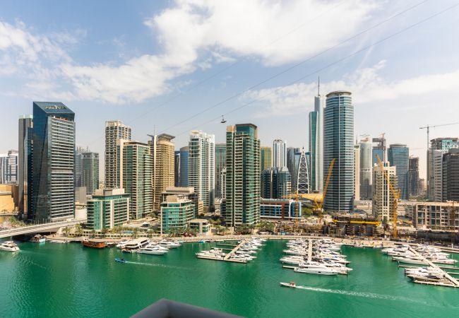 Apartment in Dubai - Luxury Marina View Apt In Marina Promenade