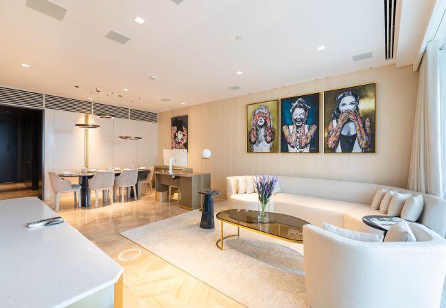 Apartment in Dubai - Glamorous Apt & Private Beach - FIVE Palm Jumeirah