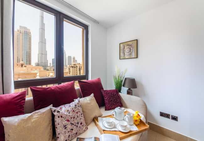 Apartment in Dubai - Luxury Living Next to Dubai Mall & Burj Khalifa