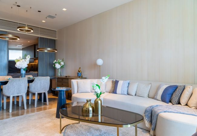 Apartment in Dubai - Stylishly Sleek Luxury at FIVE Palm Jumeirah