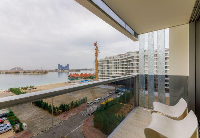Apartment in Dubai - Designer Apt w/Full Sea Vw & World-Class Facilities