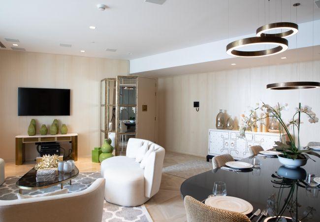 Apartment in Dubai - 5* Apt w/ Private Hot Tub in FIVE Palm Jumeirah