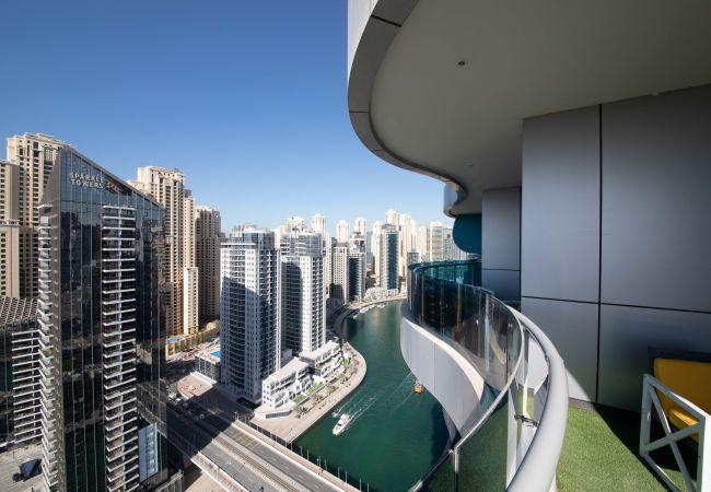 Apartment in Dubai - Premium Apt w/Stunning Waterway Vws clse to Beach
