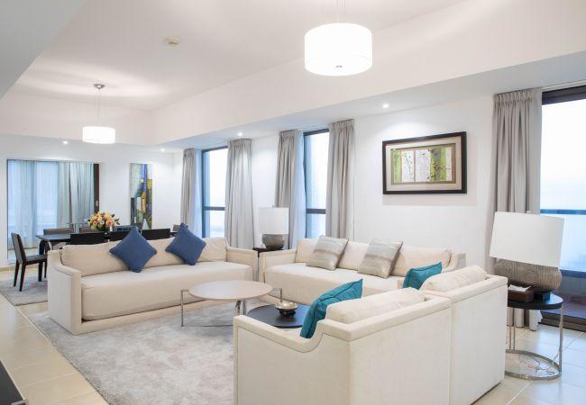Apartment in Dubai - Stunning Penthouse w/ Marina Views nxt to Beach