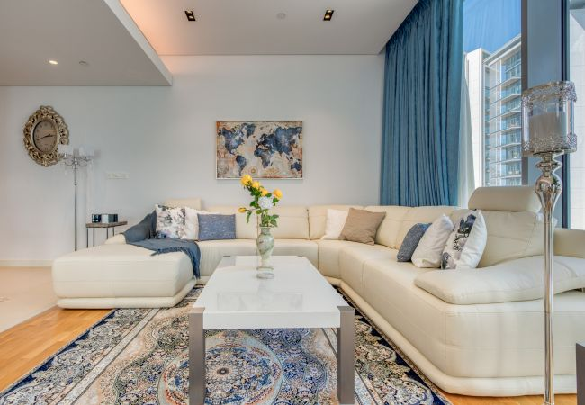Apartment in Dubai - Winning Vws w/Sea so close you can almost touch it