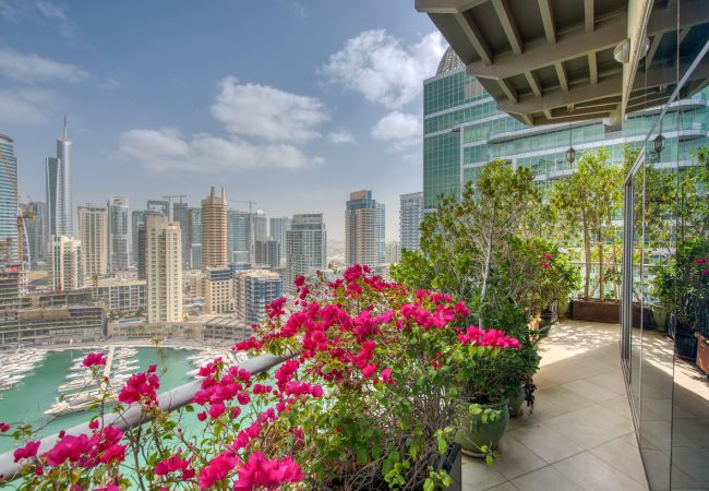Apartment in Dubai - Luxe Apt w/ JBR Beach & Dubai Marina on Doorstep