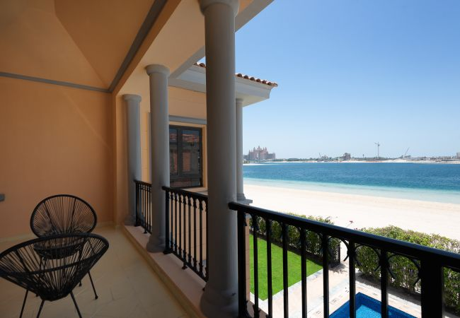 Villa in Dubai - Luxury 5BR Villa with Private Pool and Beach