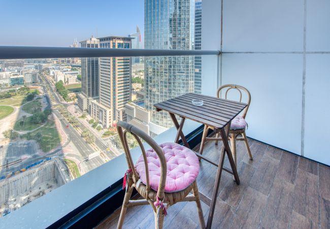 Apartment in Dubai - Skyline & Sea Vw Nxt to Beach, in Dubai Marina
