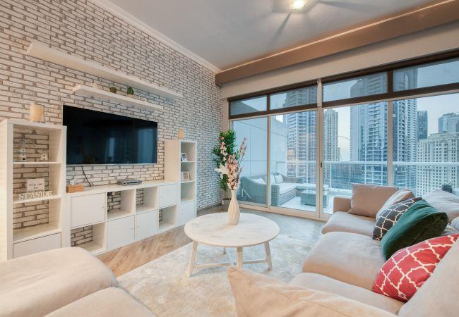 Apartment in Dubai - Beach, Shop & Stroll frm Luxury Waterfront Dubai Marina Apt
