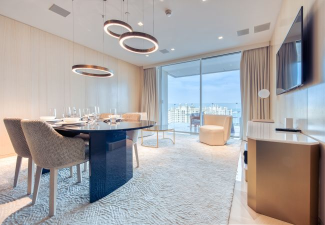 Apartment in Dubai - Luxuriously Sleek at Five Palm Jumeirah